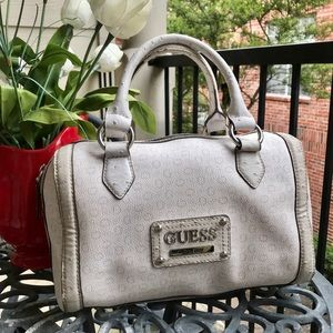 Guess signature roomy satchel